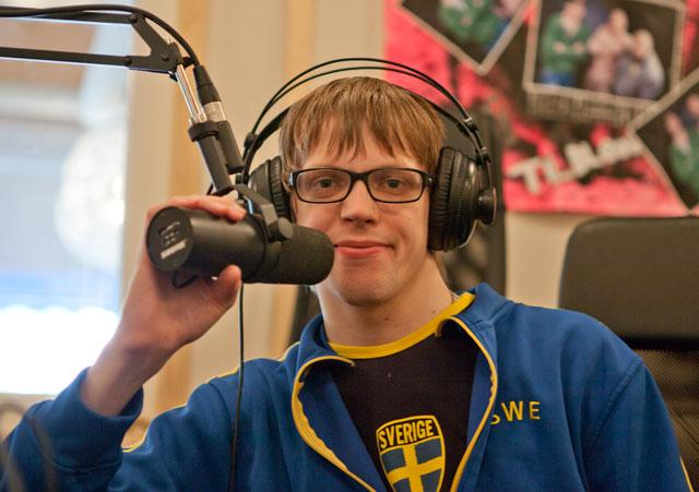Fredrik i radiostudion